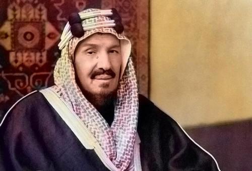 شاهد.. صورة نادرة للملك عبدالعزيز مؤسس السعودية