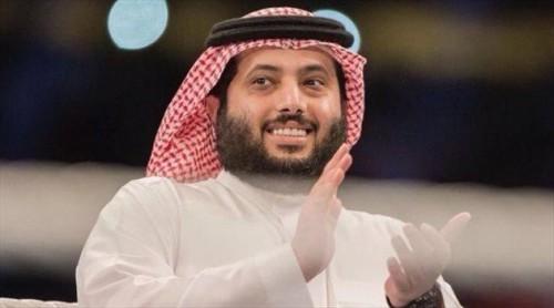 تركي آل الشيخ يحتفل بفوز السعودية بالبطولة العربية لكرة السلة