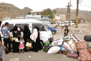 بسبب ممارسات الحوثيين.. أسر الحديدة تواصل نزوحها نحو إب وعدن