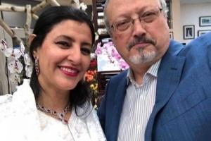 """بالصور.. مصرية تفجر مفاجأة مدوية حول زواجها من """"خاشقجي"""" سراً"""