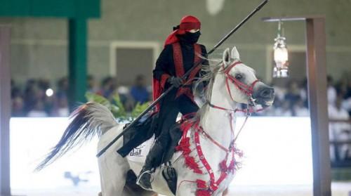 """فارسات سعوديات يتميزن في رياضة """"التقاط الأوتاد"""""""