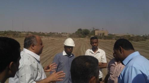 مدير كهرباء عدن يتفقد أعمال المسح في المحطة الإستراتيجية في الحسوة
