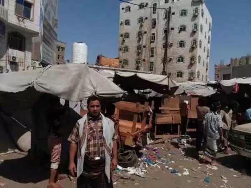 حملات أمنية لإزالة أسواق القات وضبط تجار السلاح في الشيخ عثمان