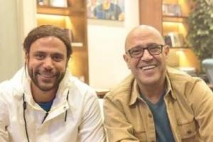 """""""طلع أجمد جيل كوميديانات""""..هكذا تحدث محمد إمام عن زيارة الفنان أشرف عبد الباقي"""
