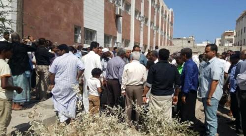 تشييع جثمان الدكتور صالح علي باصرة بعدن