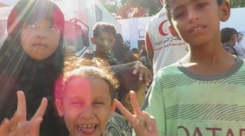 الهلال الإماراتي يدعم مركز الأمومة والطفولة في أبين بالمكملات الغذائية