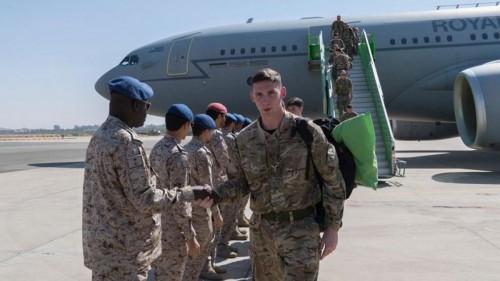 قوات جوية بريطانية تصل السعودية.. لهذا السبب (صور)