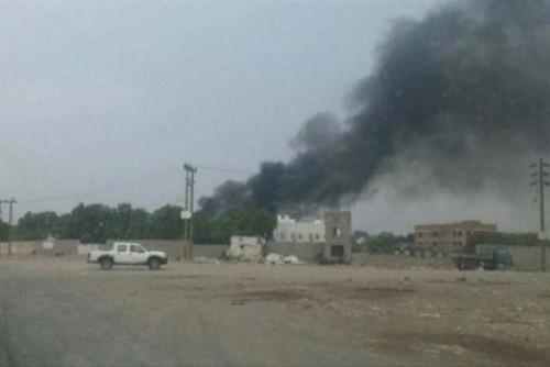 مليشيا الحوثي تقصف سوق بلدة المنظر الشعبي بالحديدة