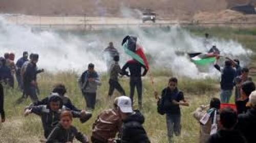 في مسيرات العودة.. إصابة 12 فلسطينيًا برصاص الاحتلال