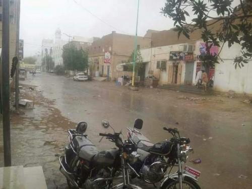 أمطار بحضرموت والمهرة.. وتحذيرات من السيول