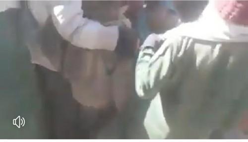 شاهد.. سقوط سقف مدرسة على طالبات بصعناء