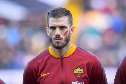 لاعبي إيطاليا يتضامنون مع النساء ضد العنف