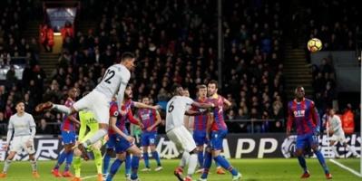 مانشستر يونايتد يواصل السقوط في الدوري الإنجليزي