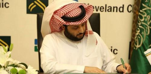 تركي آل الشيخ يهاجم اتحاد الكرة السعودي