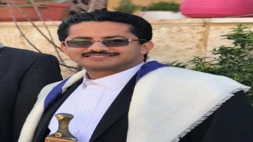 علي البخيتي يسخر من حسين العزي بتغريدة مثيرة