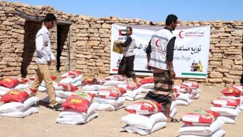 ١٨٠ طنا.. حصيلة المساعدات الغذائية للهلال الإمارتي بالساحل الغربي خلال ٥ أيام