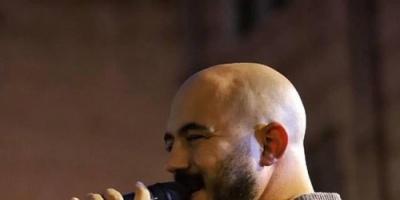 """""""صور"""" محمود العسيلي يشعل المسرح بحفله الأخير رغم برودة الطقس"""