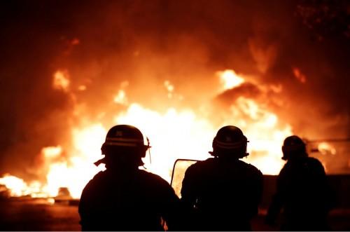 ناشطة سعودية تُدين سحل فرنسا لمتظاهري الوقود