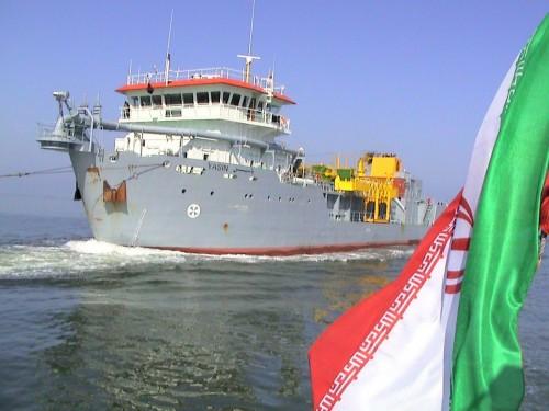 للإفلات من العقوبات.. إيران تتيح لسفنها حمل جنسيات أجنبية