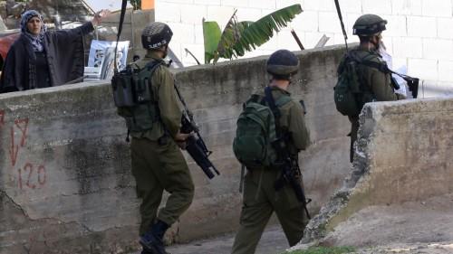 تمهيدًا لتهويدها..قوات الاحتلال تعتقل أثنين من قيادات فتح بالقدس