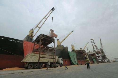 غالب: الشرعية تعترف بسيطرة الحوثي وإغلاق ملف الميناء