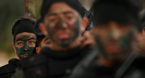 """أنور مالك يُهاجم """"حماس"""".. لهذا السبب"""