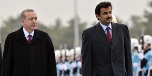 """""""تميم"""" يتنازل عن عروبته ويهرول وراء """"أردوغان"""" (انفوجراف)"""