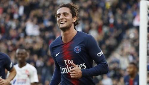 لاعب باريس سان جيرمان يرفض التجديد من أجل برشلونة