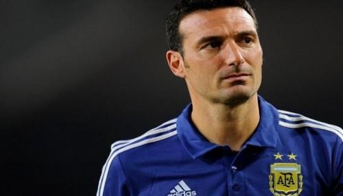 الأرجنتين تعرض على سكالوني تدريب المنتخب حتى 2019