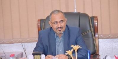 ناشط: عيدروس الزبيدي رفض إغراءات هادي وشرعيته