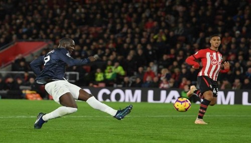ساوثهامبتون يفاجئ مانشستر يونايتد بالتعادل 2-2 في البريميرليج