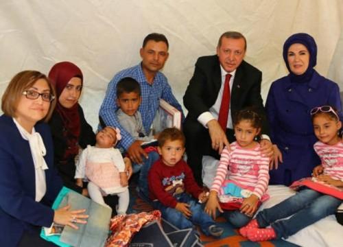 كيف استغلت تركيا اللاجئين للحصول على قرض أوروبي ؟
