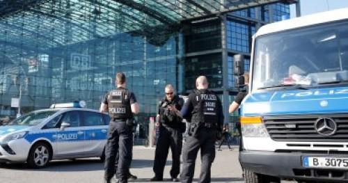 ألمانيا توقف حفلا موسيقيا لليمين المتطرف: يردد شعارات نازية