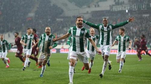 بورصا سبور يفوز على إرضوم بثنائية في الدوري التركي
