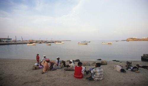مليشيات الحوثي تحاصر جزيرة كمران بألغام بحرية