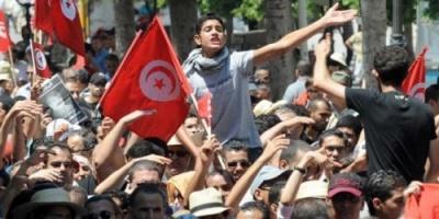 "بـ""سترات حمراء"".. عدوى احتجاجات فرنسا تصل تونس"