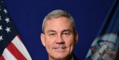 مصادر أمريكية تؤكد: القائد العسكري بالبحرين مات منتحراً