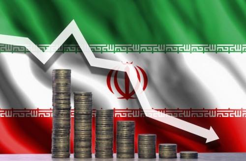 صحفي كويتي: الوضع الاقتصادي في إيران ينهار
