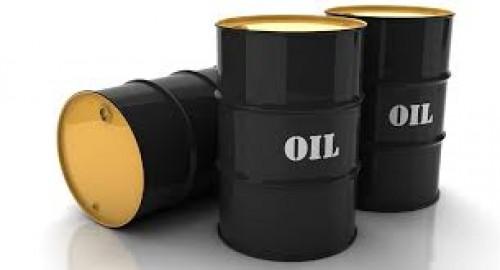 النفط يرتفع 4% وتوقعات بخفض الإمدادات