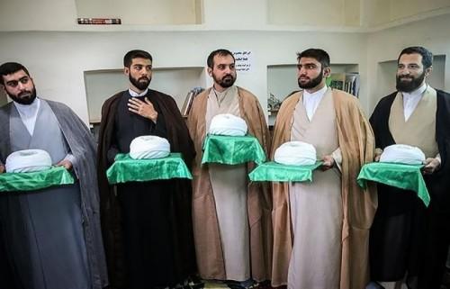 الغضب الشعبي يمنع طلاب الحوازات بإيران من ارتداء العمائم (تفاصيل)