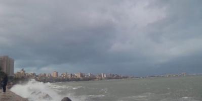 السيول تودي بحياة شخص وغلق ميناءين جرّاء سوء الطقس في مصر