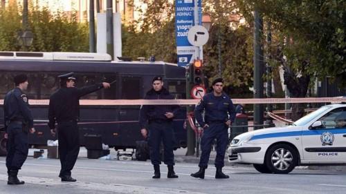 بالمولوتوف.. هجوم على منزل وزير يوناني
