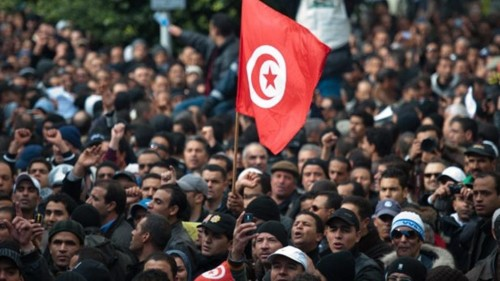 برلماني تونسي يكشف عن مخطط لإغراق تونس يناير 2019