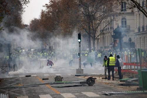 رغم إلغاء ضريبة الوقود.. باريس تخشى مظاهرات السبت