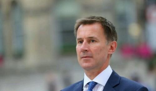 بعد تقديمها تنازلات للحوثيين.. بريطانيا تتقدم بمشروع قانون لوقف إطلاق النار في اليمن