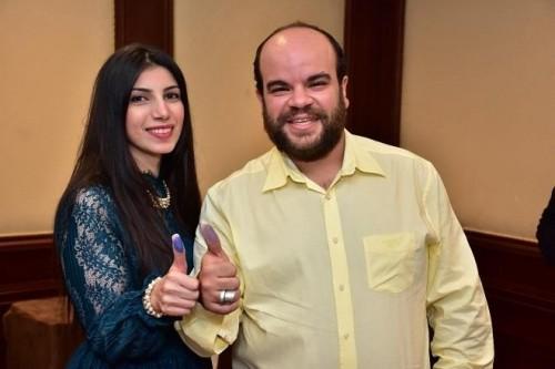 هكذا احتفل الفنان محمد عبد الرحمن بعيد زواجه