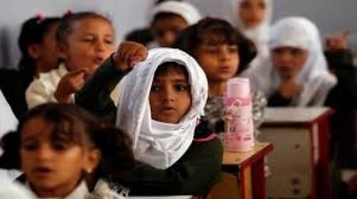 600 حقيبة مدرسية للطلاب الفقراء بعدن
