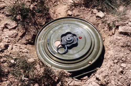 الفرق الهندسية بقوات التحالف تكشف عن مصير ألغام الحوثي