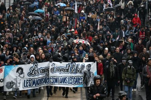 فرنسا: لن نتسامح مع منتهجي العنف والمتطرفين في مظاهرات غدا