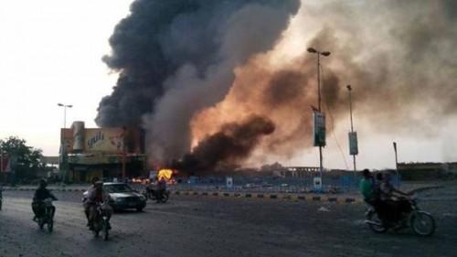 مليشيا الحوثي تُصعد قصفها للحديدة وتصيب 4 مواطنين